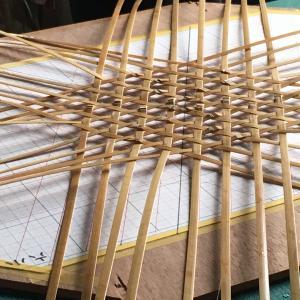 竹細工講習で竹籠を作る