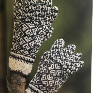 編み込み手袋のサイズあわせ