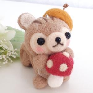 ☆羊毛フェルト☆秋作品のリスちゃんをチクチク♪