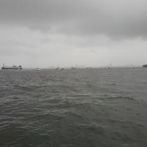 予報は曇り、タチウオ釣り