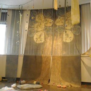 2012年8月 森家湖 (こもれびのなかへ)インスタレーション三人展