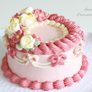 ふわふわのバタークリームでデコレーションケーキ♪