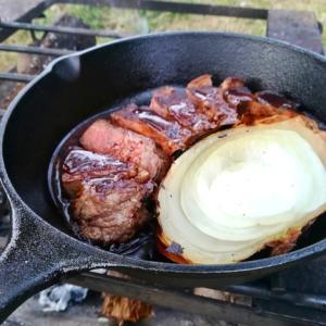 スキレットでで厚切り肉を焼いてみた