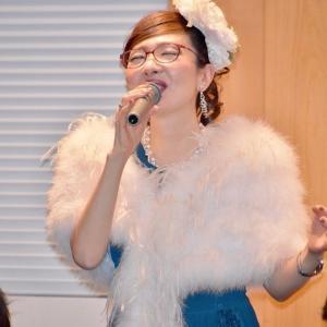 有限会社ハートネット様の創立15周年記念パーティーにて、歌とお話を披露させていただきました。