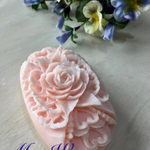 桜ぽい色の石鹸に・・