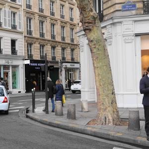 パリ散歩⑥ピエール・エルメ本店でイートイン