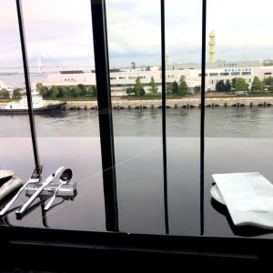 インターコンチネンタル横浜pier8③ラウンジでアフタヌーンティー