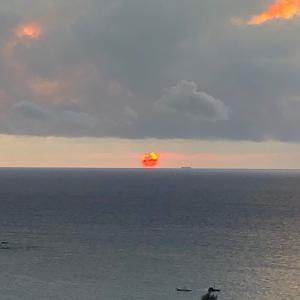 沖縄⑫最後の沖縄マリオット 虹とサンセットと焼肉弁当