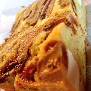 チーズのおやつ二種|バナナブレッド、チョコレートチーズケーキ