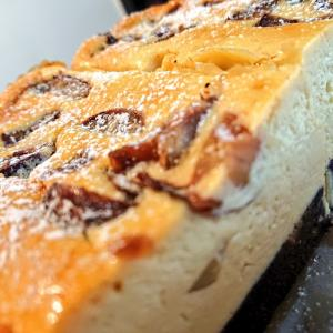 チーズのおやつ二種|和栗のベイクドチーズケーキ、自家製スモークチキンのケークサレ