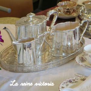ティータイムのテーブルを華やかにする銀のティーセットの選び方♡
