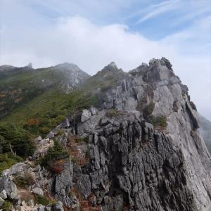 奥秩父山塊の岩の殿堂(2) 金峰山