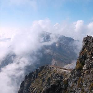 北アルプス・白馬岳(6) 頂上には現われない県境線