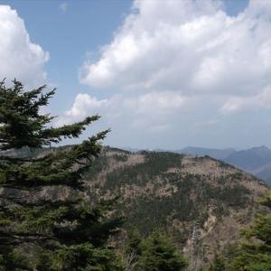 八経ヶ岳 世界遺産・大峯奥駈道の通る近畿地方の最高峰