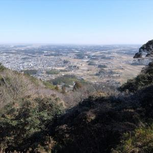 愛宕山 大眺望と、奇祭・悪態祭の山