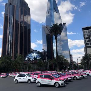 メキシコシティ・タクシー団体のデモ