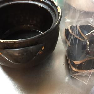 使い込んだ土鍋