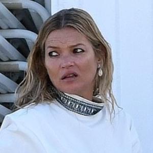 気前、良いのか…? ケイト・モス、車1台分の高級ブランドの衣服をチャリティーに寄付も、世間は冷ややかな反応…