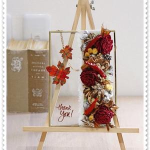 <土曜日・アトリエレッスン>、生徒さんの秋のガラスフレーム飾り。。<ドライ>