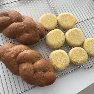 胚芽パンとイングリッシュマフィン