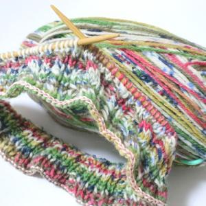 KFSケーブル編みの帽子(2):うーん、なんというかドドメ色?