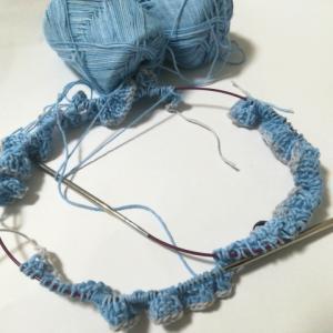カジュアルスタイルのプルオーバー(2):身頃、同時編み!してます