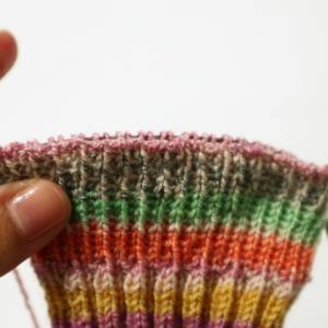 棒針編みの1目ゴム編み止めのやり方 ~輪編みの場合~