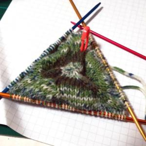 棒針編みのがま口(2):底部分出来ましたよー