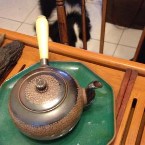 茶と工芸品の素材について