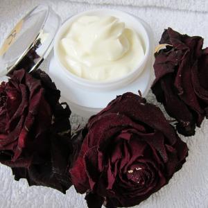 「石けん乳化のスキンクリーム」お申込み受付!ナチュラル素材でスキンケア~KARIN*KORIN