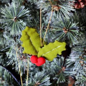 クリスマスハンドメイドオーナメント③ヒイラギ