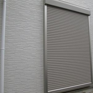 シャッター(雨戸)の内側掃除の方法