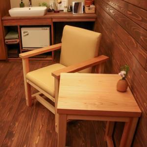 TEtoTEのテーブルと椅子