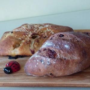 花かごパンで赤ワインのパン Annee(アネ)でパン食べ放題ランチ
