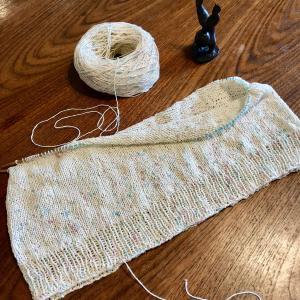 Mythica Fibers Rustic Silkで編む Whispers 2