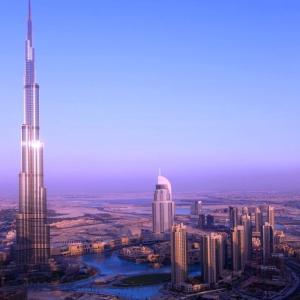 面白い世界で一番高いビル、ギネス「ブルジュ・ハリファ」世界記録【ルビー】