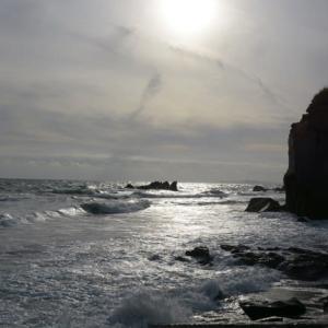 荒れた海…
