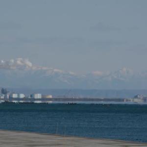 見えますか?…日高山脈と襟裳岬