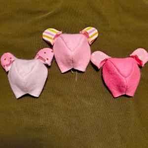 ピンクの子も作ります【名入れ出来るくまのストラップ】