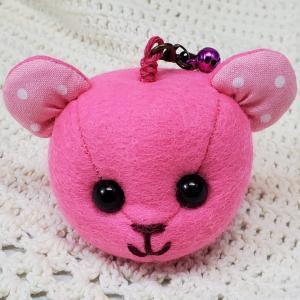 ピンクのストラップ、出品しました【いろいろと名入れで販売中】