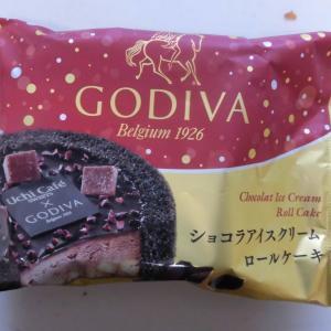 ローソン Uchi Café×GODIVA ショコラアイスクリームロールケーキ 57ml