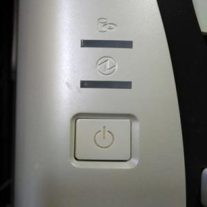 PC電源スイッチ エアダスターで解消