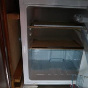 インバーターがパワーセーブモードの時はAC冷蔵庫の中は真っ暗だ (2020/1/19)