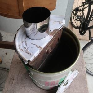 ペール缶内に燃焼室をもつヒートライザ付きのロケットストーブを作ってみた (2021/6/19)