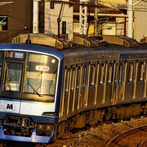 朝日に映えるメタリックブルー横浜高速鉄道Y514Fto今朝の東上線