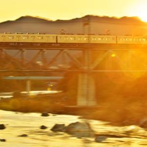 埼玉県最古の上路式鉄道トラス橋を行く81111Fセイジクリーム