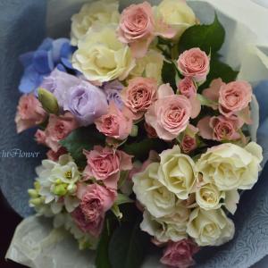 誕生日にバラの花束