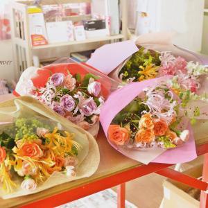 生花の香りに包まれて!お祝いの花束!!