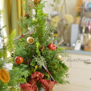 針葉樹のクリスマス フラワーレッスン