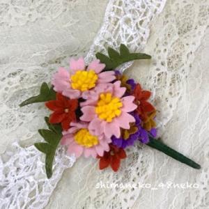 フェルトの花のコサージュを制作!